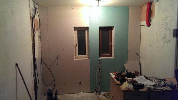cuisine plaquage du premier mur la maison des rigolettes. Black Bedroom Furniture Sets. Home Design Ideas